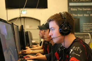 Vulcun League of Legends $250 ★★ NA LCS W3D1 Pays Half the Field $450